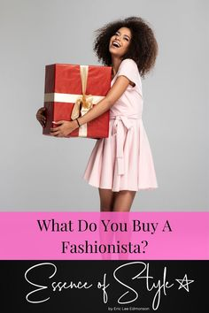 What do you buy a Fashionista as a gift? I have found some gifts ideas that are not going to break your pockets this holiday season! Suit Fashion, Daily Fashion, Fashion Outfits, Fashion Trends, Business Casual Men, Mens Clothing Styles, Looking For Women, Casual Looks, Style Inspiration