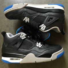 pretty nice 8fe29 3d708 Jordan Shoes   Nike Air Jordan Retro 4 Alternate Black Sneaker 8   Color   Black Blue   Size  8