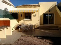 #Vivienda #Alicante Chalet en venta en #Moraira zona Moraira #FelizJueves - Chalet en venta por 272.000€ , 3 habitaciones, 300 m², 2 baños, con terraza, garaje 1 plaza/s, calefacción no
