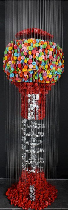 Sculptures Made from Suspended Sewing Buttons ボタンで作ったアート