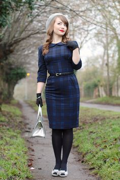 Hamilton wiggle dress by Hell Bunny with Tippi silver bag