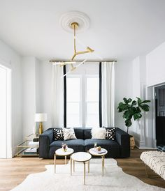Artwork and lighting are people's favorite home design elements. #architecture #villa #lighting #interior #home