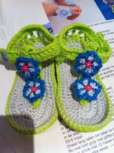 Baby sandaaltjes/ teenslipper