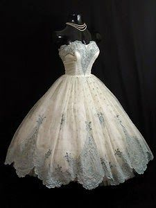 Vintage Cinderella Style | The Girl with the Star-Spangled Heart: Vintage Cinderella Style