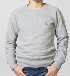 GIRLS - EQIP logo sweater - light grey. For girls who like to show their love for the sport off the field.