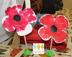Have children trace poppy. Sponge paint, glue on black centre Have children trace poppy. Sponge paint, glue on black centre Craft Activities, Preschool Crafts, Preschool Ideas, Craft Ideas, Bible Crafts For Kids, Diy For Kids, Veterans Day Poppy, Remembrance Day Activities, Remembrance Day Poppy