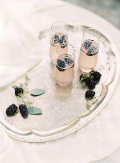 Light and Neutral Outdoor Wedding Ideas by Allison Kuhn   Wedding Sparrow   wedding blog