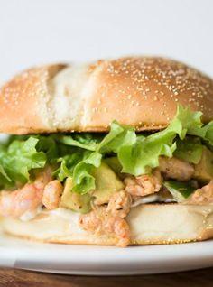 Hamburgers aux crevettes nordiques et à l'avocat