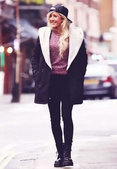 No matter what she wears she still looks amazing..