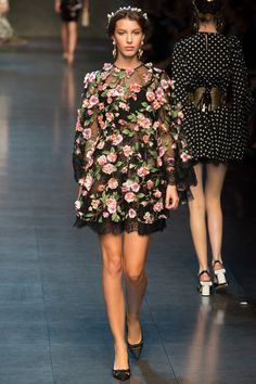 Dolce & Gabbana S/S 2014 #MFW                           The Black and White Polka Dot in the Background walking in the other direction