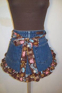 denim apron pattern | This is an apron made from an old pair of jeans. The ruffle fabric is ...