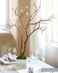 Noivas!!! Espero que se apaixonem tanto como eu por esta árvore linda! O que vos proponho fazer são estas pequenas rosinhas que saem das suas extremidades. Mais do que um centro de mesa, eu utilizava este acessório decorativo como a 'árvore dos