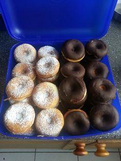 Mini Donuts von Sabrina Tessnow Mini Donuts, Doughnut, Desserts, Food, Germany, Bakken, Mini Doughnuts, Tailgate Desserts, Deserts