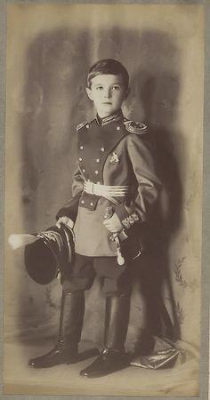 Tsar Nicolas Ii, Tsar Nicholas, Anastasia, La Familia Romanov, Old Photos, Vintage Photos, Romanov Sisters, House Of Romanov, Alexandra Feodorovna
