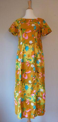 1960s dress Hawaiian Flowers, Princess Seam, Vintage Fabrics, Frocks, Flower Power, What To Wear, 1960s, Ready To Wear, Personality