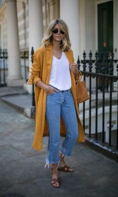 koreanische mode-outfits 4272 17 Simple Denim Outfits You Can Copy Now - Mode Outfits, Casual Outfits, Fashion Outfits, Womens Fashion, Denim Outfits, Casual Weekend Outfit, Casual Jeans, Office Outfits, Simple Outfits