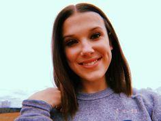 Millie Bobby Brown - Por Que a Atriz Teen Encanta Tanto? Millie Bobby Brown, John Travolta, Jimmy Fallon, Blake Lively, Bobbi Brown, Bobby Brown Stranger Things, Photo Star, Joe Keery, Stranger Things Aesthetic