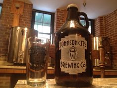 The logo is looking awesome on the new growlers and pints!