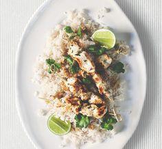 Brochettes de poulet à la citronelle et riz à la noix de coco