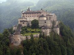 Hohenwerfen Castle stands high above the Austrian town of Werfen in the Salzach valley, near Salzburg. The castle is surrounded by the Berchtesgaden Alps & the adjacent Tennengebirge mountain range. Hohenwerfen Castle is situated at an height of 623 meters. The former fortification was built between 1075 & 1078 during the Imperial Investiture Controversy by the order of Archbishop Gebhard of Salzburg as a strategic bulwark