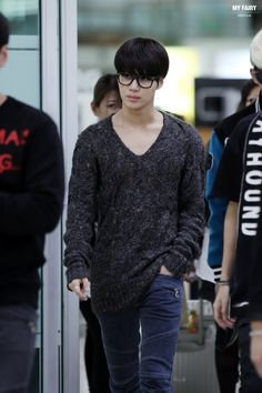 http://cfile6.uf.tistory.com/image/2307DA4352635CD615213C Taemin 131016 SHINee - Gimpo Airport back from Japan by MyFairy http://19930718.net/
