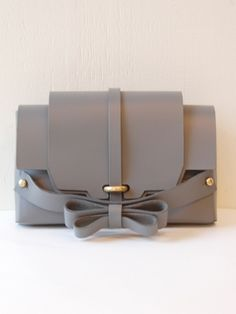 Niels Peeraer Double bow clutch  gray