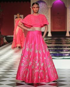 Pretty in pink!  Anita Dongre killed it last night, once again, with her Epic Love collection at India Couture Week. Soooo bummed to have missed out her first appearance at ICW  I can't possibly attend fashion week this year, and am having to make do with drooling over the pictures on my laptop. Ah, well. Atleast I get to see everything online. Thank God for technology!  #anitadongre #icw2016 #lehenga #weddingfashion #bridalfashion #trousseau #pink #pinklehenga