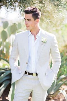 wedding suits men Fresh spring wedding wardrobe for your groom - linen suit with black belt. The perfect attire for this neutral spring wedding in the Scottsdale, Arizona desert at luxury Arizona wedding venue, El Chorro. Groom And Groomsmen Attire, Groom Outfit, Groom Attire Black, Groom Dress, Navy Groom, Groomsmen Outfits, Groom Tuxedo, Phoenix Wedding Photographer, How To Look Handsome