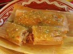 Tamales de pernil (cerdo), salsa verde