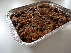 To opskrifter på vegansk pålæg, som er lette at lave - hhv. en pålægscreme med solsikkekerner samt en linse- og champignonpostej.