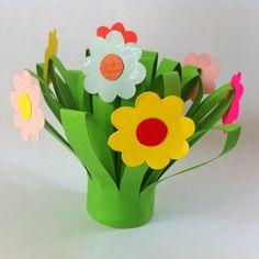 Lindo e super fácil de fazer, este buquê de flores vai encantar a mamãe que recebê-lo.   Quer aprender a fazer?   Siga o passo a pass...