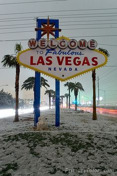 "Welcome to Snow Vegas    December 17, 2008 -- First measurable snow on the Las Vegas strip in about 30 years. 3"" at the airport (official recording site which is just across the street from this famous sign). This is a very rare sight.    Note the partial snow man near base of sign, his head had fallen off by the time I got there, and there was a power failure to the sign and nearby street lights."