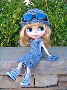 Blythe loves summer. Blythe loves denim. Blythe loves this set of summer dress, head kerchief and purse hand knit with washed blue cotton. She looks so adorable! #natalya1905