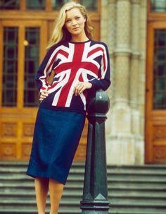 Aujourd'hui, démarre la Fashion Week de Londres ! http://www.elle.fr/Mode/Les-news-mode/Autres-news/L-instant-mode-Kate-Moss-vous-invite-a-la-Fashion-Week-de-Londres-2898698