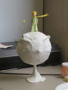 Début de la mise en couleur de la sculpture Paper Mache Clay, Paper Mache Sculpture, Bird Sculpture, Clay Art, Animal Sculptures, Clay Projects, Clay Crafts, Diy And Crafts, Paper Crafts