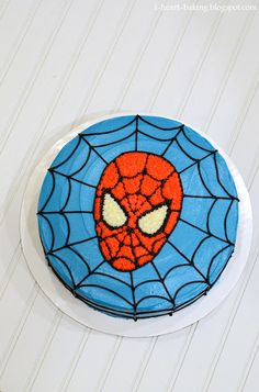 i heart baking!: spiderman birthday cake Markel Berard imagine the cupcakes! Spiderman Torte, Spiderman Cookies, Spiderman Birthday Cake, Superhero Cake, Novelty Birthday Cakes, Cool Birthday Cakes, 5th Birthday, Cupcake Cakes, Cupcakes
