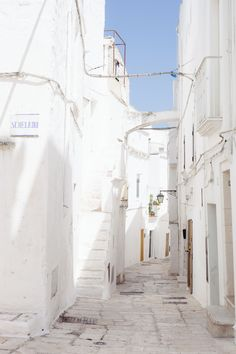 The easy thing you can do to recreate Puglia, Italy, in your home