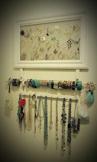 A beautiful love affair: DIY Jewelry Organizer!