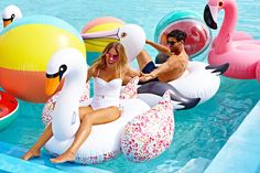 Pool Floats & Inflatables - Pink flamingo adult rubber ring - LUXE FLAMINGO - Brand Sunnylife, shop it like it's hot at Brazilian Bikini Shop. Motif Tropical, Water Shoot, Videos Photos, Sunnylife, Beach Toys, Relax, Pool Floats, Pool Designs, Plein Air