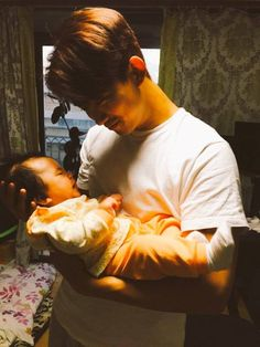 Taecyeon raves about his baby nephew! | allkpop