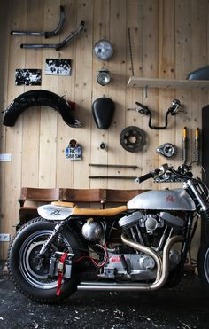 Harley Sporster by 21 grammes motorcycles - Discover on http://21grammesmotorcycles.com/2015/06/29/harley-sportster-3-la-brute-by-21grammes/