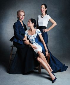 News - Victor Demarchelier photographs Donna Karan, Carolina Herrera and others in 'Family Affair' for Harper's Bazaar, May 2013 Family Portrait Poses, Family Posing, Family Photos, Mother Daughter Photos, Mother Daughter Photography, Family Photography, Photography Poses, Fashion Fotografie, Victor Demarchelier