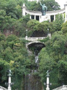 Gellert Statue & Waterfall - Budapest, Hungary