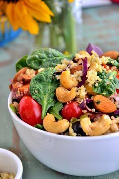 detox-salad - skip the quinoa - add some chicken for protein Quinoa Salad Recipes, Vegetarian Recipes, Healthy Recipes, Free Recipes, Orzo, Clean Eating, Healthy Eating, Healthy Food, Healthy Lunches