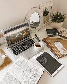 Vie Motivation, Study Motivation, College Motivation, Studyblr, Study Room Decor, Study Organization, School Study Tips, Study Space, Study Hard
