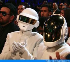 Daft Punk clapping at the Grammy's. Gif Bin is your daily source for funny gifs, reaction gifs and funny animated pictures! Large collection of the best gifs. Daft Punk, Lorde, Katy Perry, Beyonce E Jay Z, Madonna, Les Petits Frenchies, Los Grammy, Punk Songs, When Your Crush