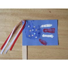 Handprint American Flag From Muffin Tin Mom  #4thofJuly #Crafts For The #Kids