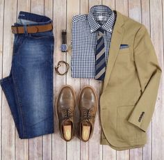 the latest trends in mens fashion and mens clothing styles Designer menswear is gaining more and more popularity with time and soon men will catch up with women both on… Mode Outfits, Casual Outfits, Fashion Outfits, Big Men Fashion, Look Fashion, Fashion 101, Business Casual Men, Men Casual, Men Dress