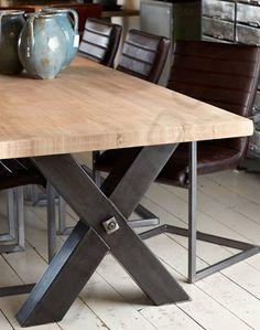 Tafel Industriële tafel 'Kansas' met metalen kruis en trekstang. - Oldwood - De Woonwinkel
