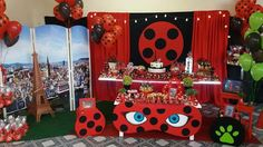 Festa Ladybug Cena Ateliê 4th Birthday Parties, 10th Birthday, Festa Lady Bag, Ladybug Centerpieces, Miraculous Ladybug Party, Ladybug Cakes, Baby Christening, Birthday Decorations, Party Themes